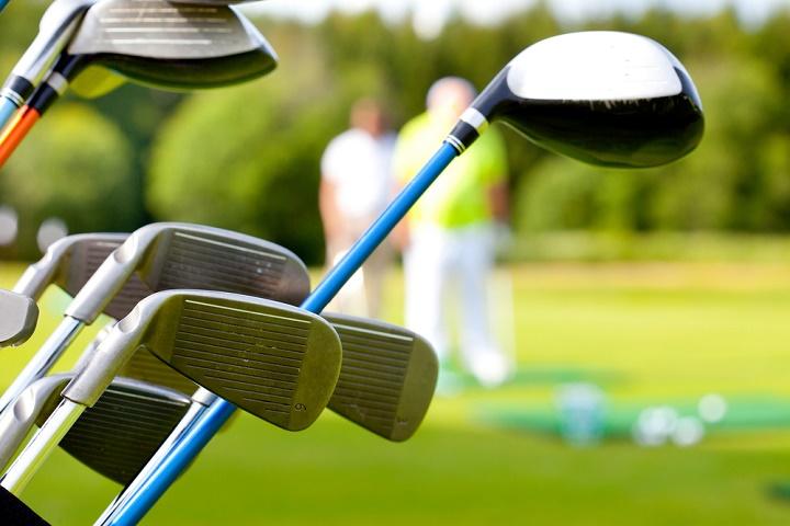 Choosing The Best Golf Clubs for Beginner - Reviews 2017
